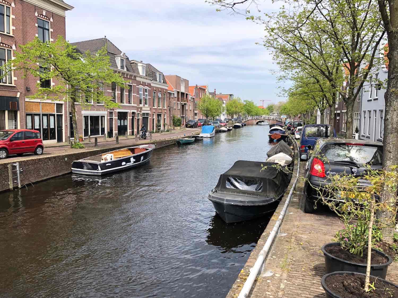 De Herensingel in de Burgwalbuurt in Haarlem Centrum