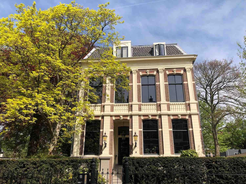 Stadsvilla te koop in het Florapark in het Haarlemmerhoutkwartier in Haarlem
