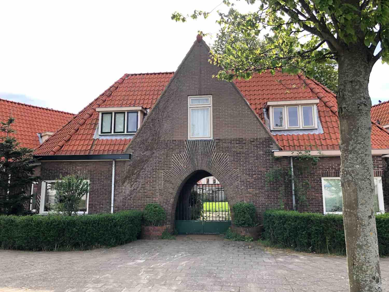 Geschiedschrijversbuurt in het Houtvaartkwartier in Haarlem Zuidwest. Koopwoningen.