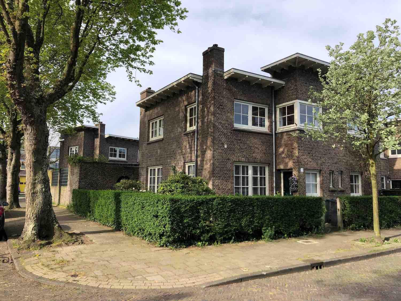 Klassieke hoekwoning te koop in de Hasselaersbuurt in het Zijlwegkwartier in Haarlem Zuid-West
