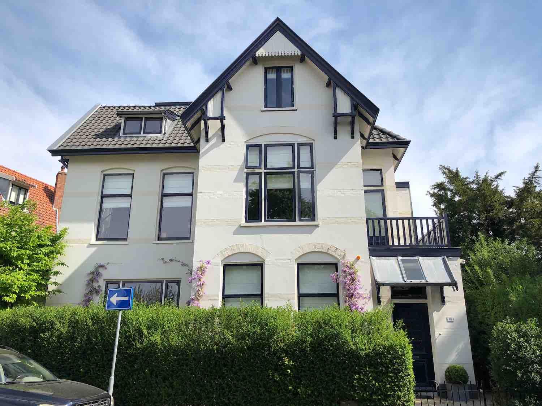 Koopwoning en villa in de Koninginnebuurt in de Haarlemmerhoutkwartier in Haarlem