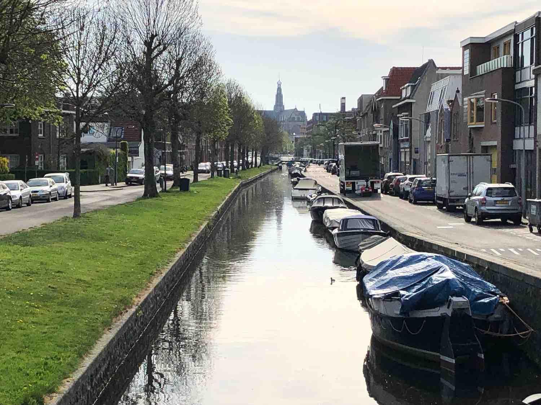 Huizen te koop aan het water in de Leidsebuurt west in het Zijlwegkwartier in Haarlem zuidwest