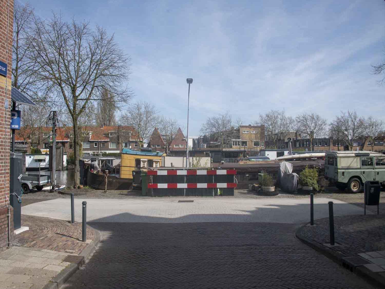 Uitzicht vanuit huizen in het Rozenprieel in Haarlem Zuid in het Haarlemmerhoutkwartier