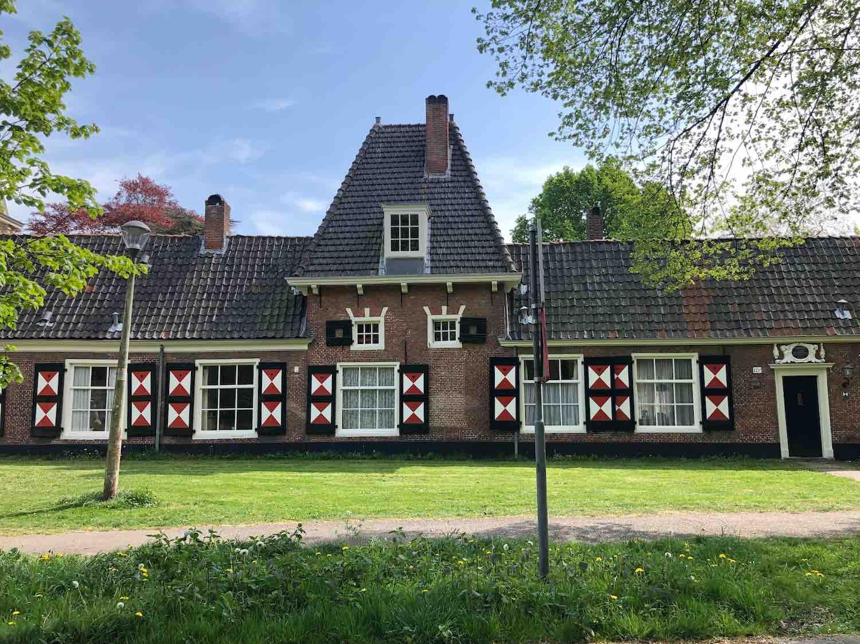 Klassieke huurwoningen en koopwoningen in de Welgelegen buurt in Haarlem in het Haarlemmerhoutkwartier
